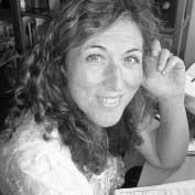 Spanish-voice-artist-Amparo-T