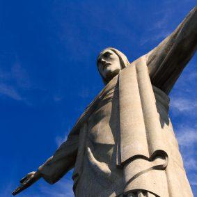 English to Brazilian Portuguese subtitling service