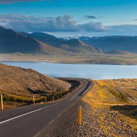 English to Icelandic subtitling service